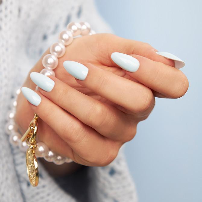 Pastelowy niebieski na paznokciach - świetna propozycja dla Fanek delikatnych odcieni!