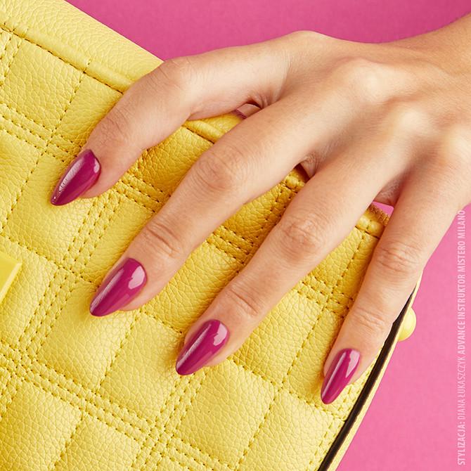 Malinowe paznokcie na jesienno-zimową chandrę